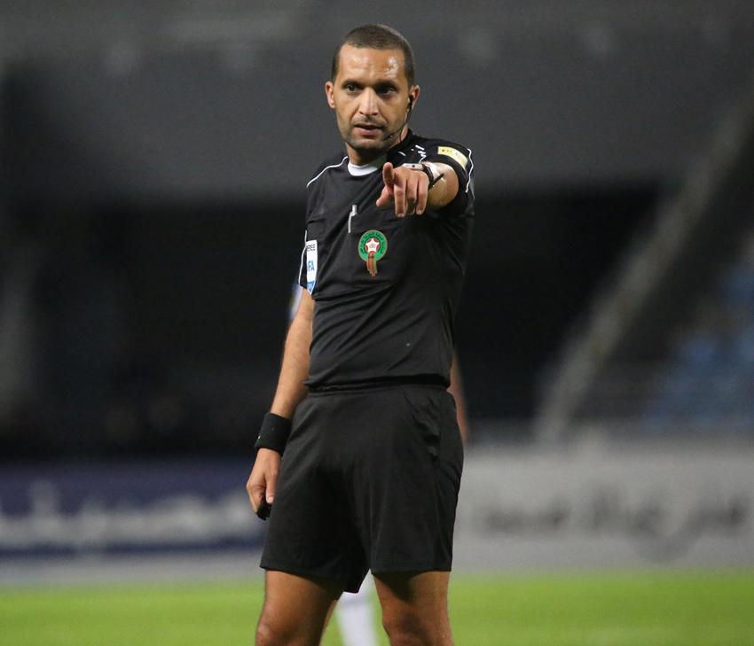 بطولة مصر: طاقم تحكيم مغربي لقيادة مباراة بيراميدز وإنبي