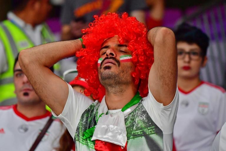 الجمهور الإيراني يقول كلمة أخيرة ممزوجة بالدموع