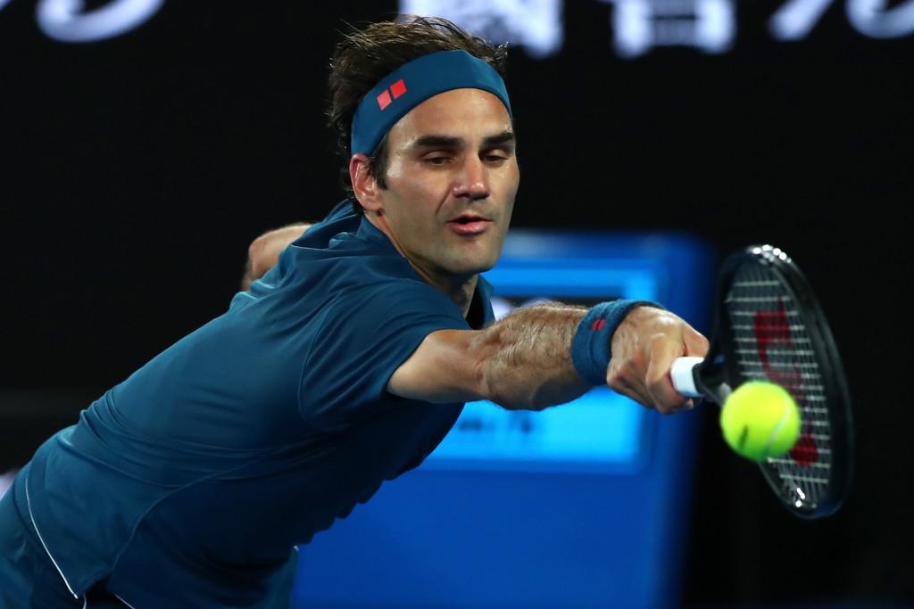 دورة أستراليا المفتوحة: فيدرر يكافح لبلوغ الدور الثالث