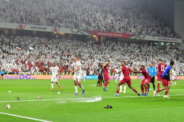 قلة من الجماهير  تسببت في أحداث الإمارات-قطر
