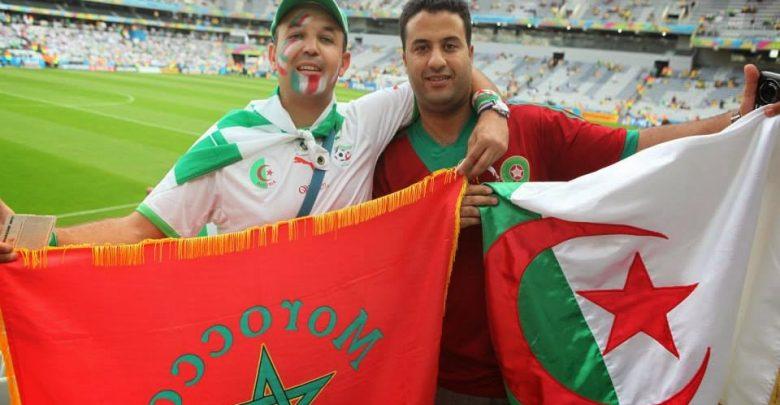 جزائريون يدعمون الأسود