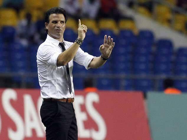 مدرب برتغالي معروض لتدريب منتخب الأسود