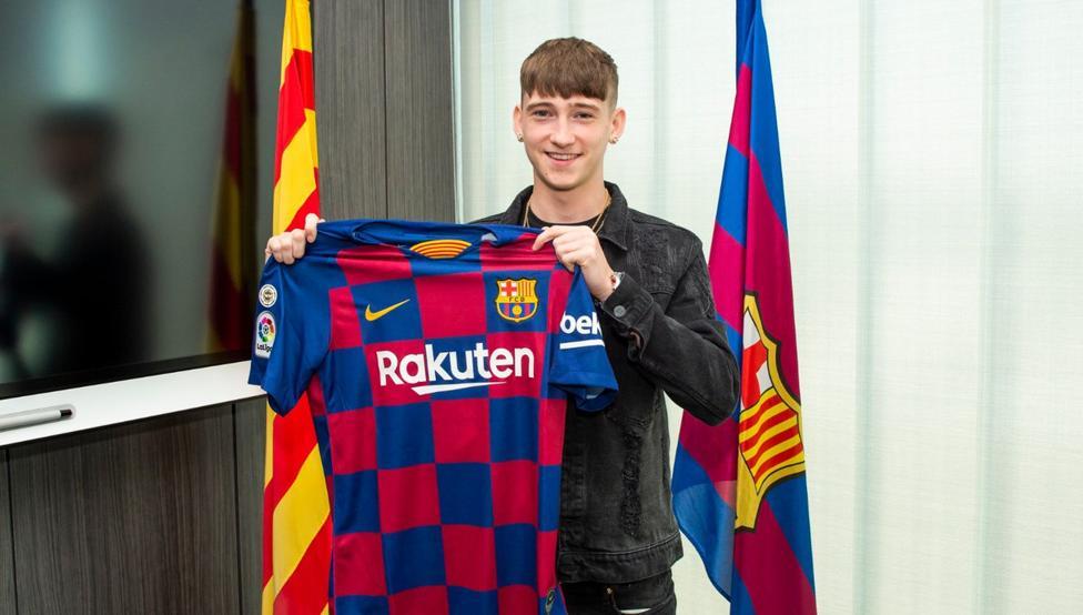 برشلونة يضم المهاجم الانجليزي الصاعد باري
