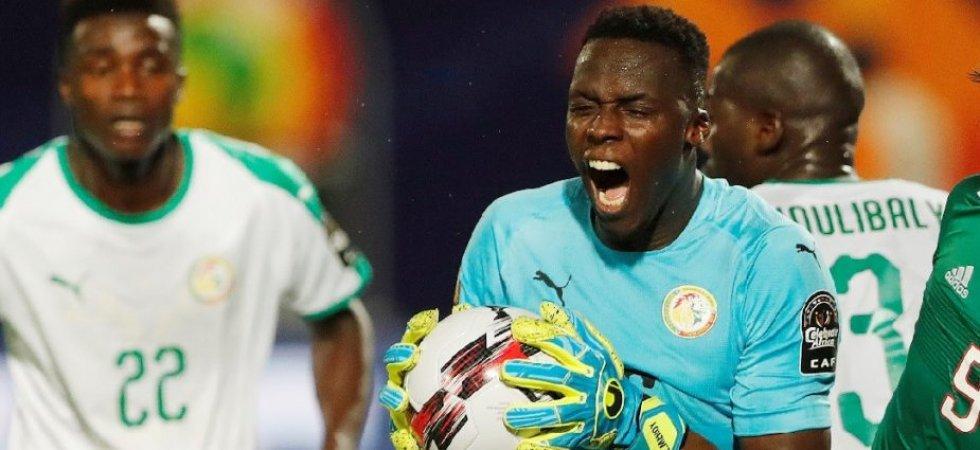 كأس إفريقيا 2019: السنغال تفقد حارسها مندي لكسر في اليد