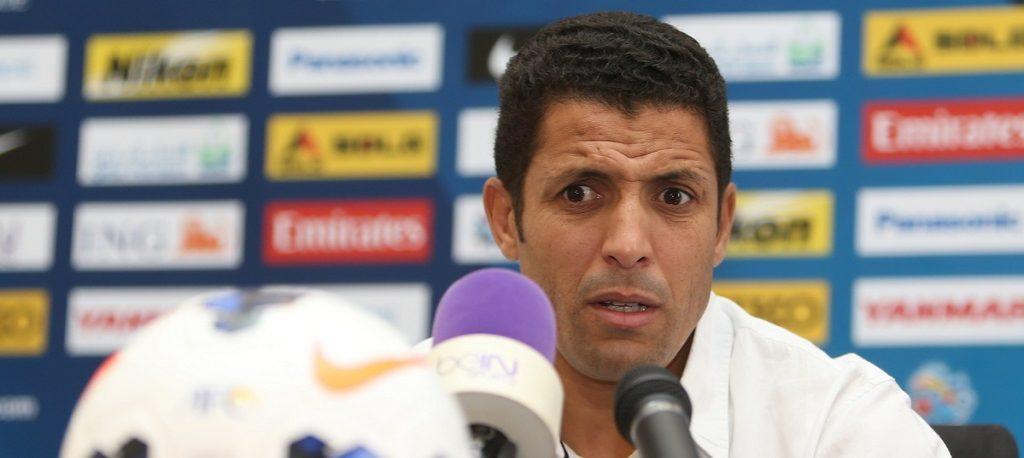 عموتا اختار 27 لاعبا لمباراة الجزائر