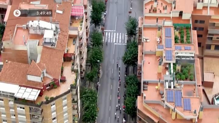 طواف إسبانيا للدراجات يكشف نباتات قنب هندي على سطح مبنى