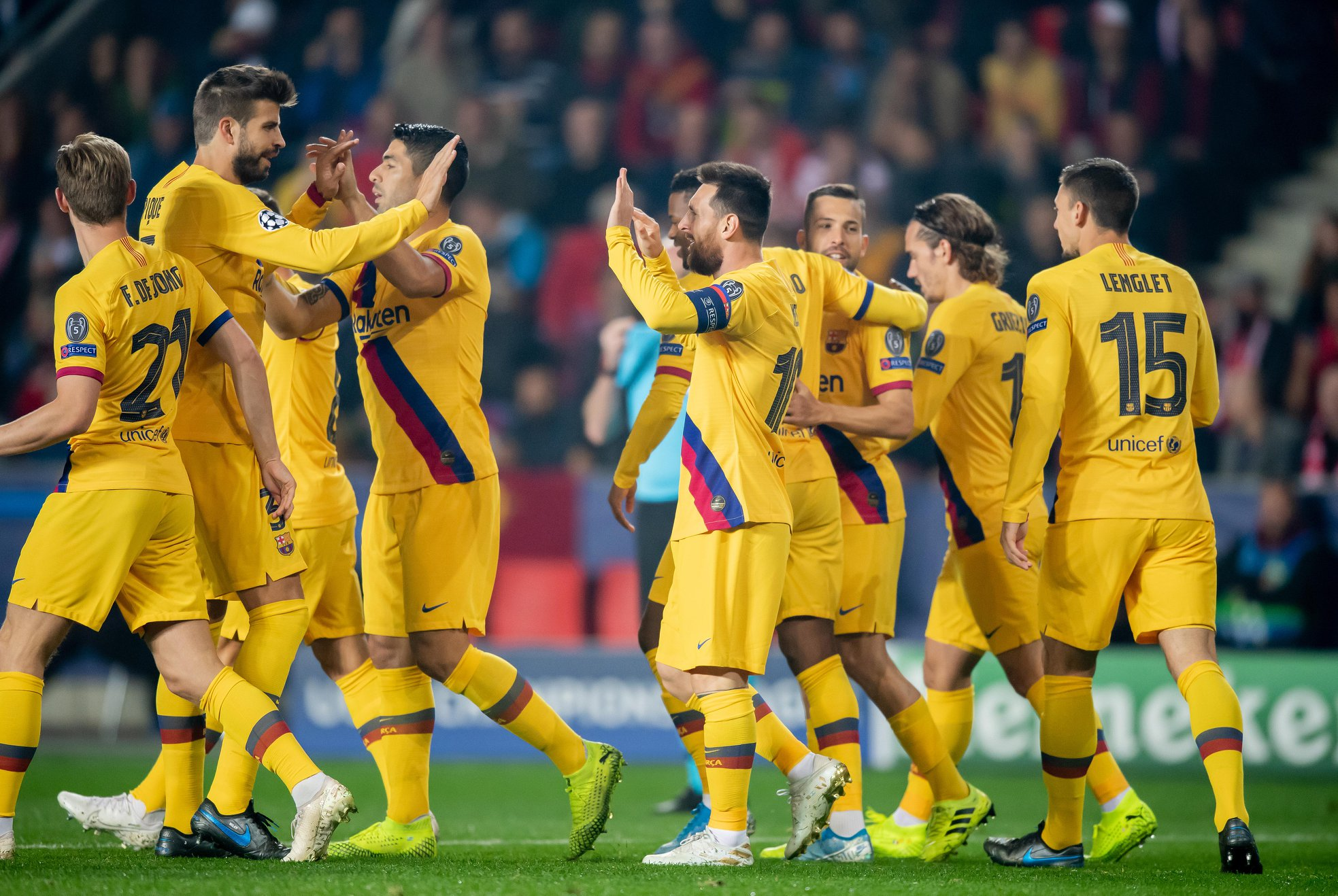 عصبة أبطال أوروبا: برشلونة يعود بفوز صعب من براغ وانتر يحسم قمة دورتموند