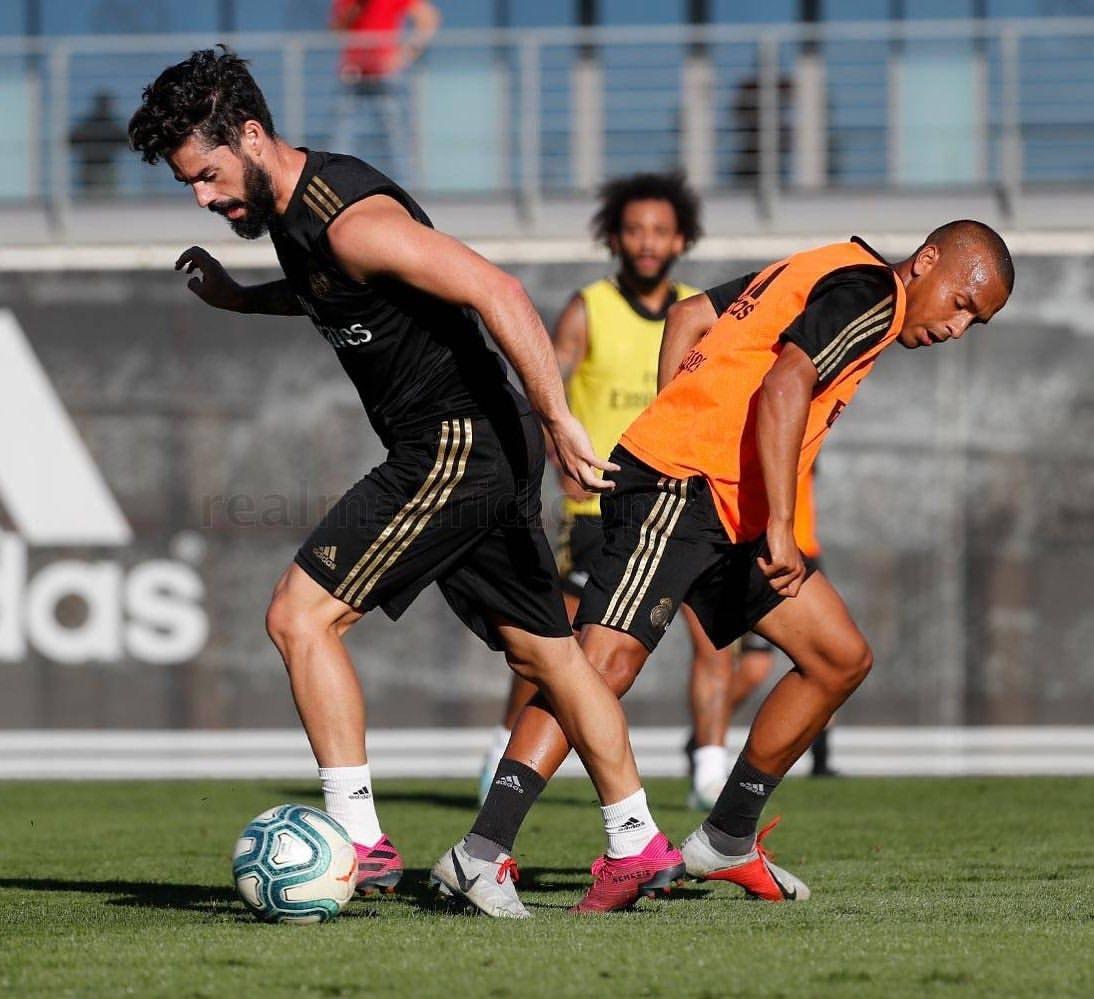 بوعلام يتدرب من جديد مع زيدان