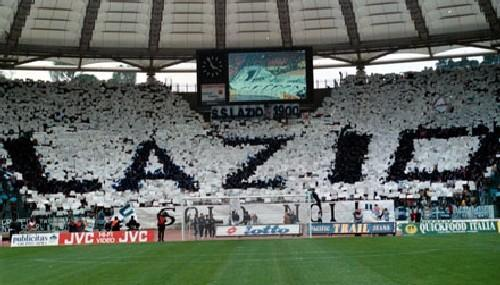الاتحاد الأوروبي لكرة القدم يعاقب لاتسيو الإيطالي بسبب العنصرية