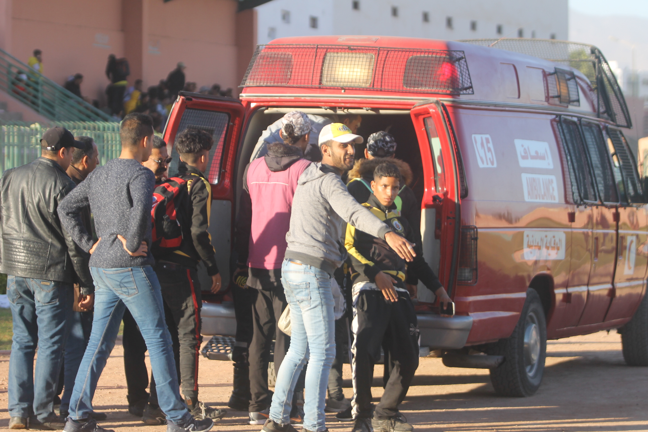 أحداث الشغب تضرب ملعب احمد فانا بالدشيرة