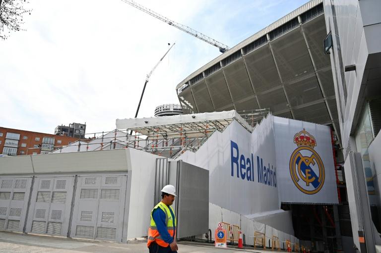 ريال يحول ملعبه سانتياغو برنابيو لتخزين معدات طبية لمكافحة كورونا