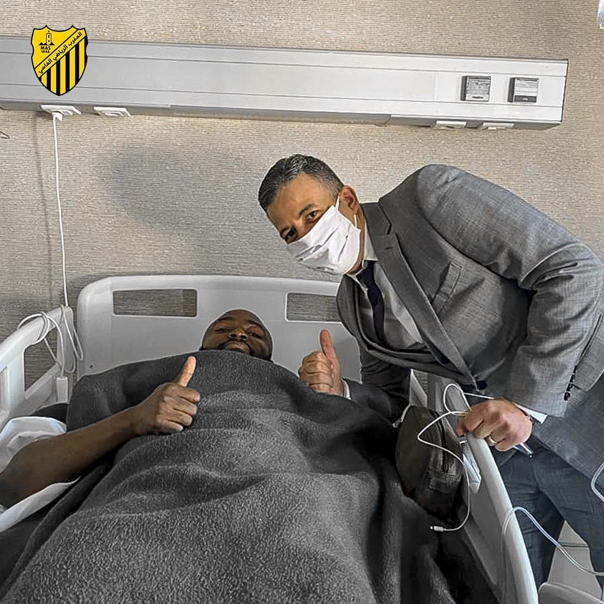 الجامعي يزور الهداف بعد العملية الجراحية