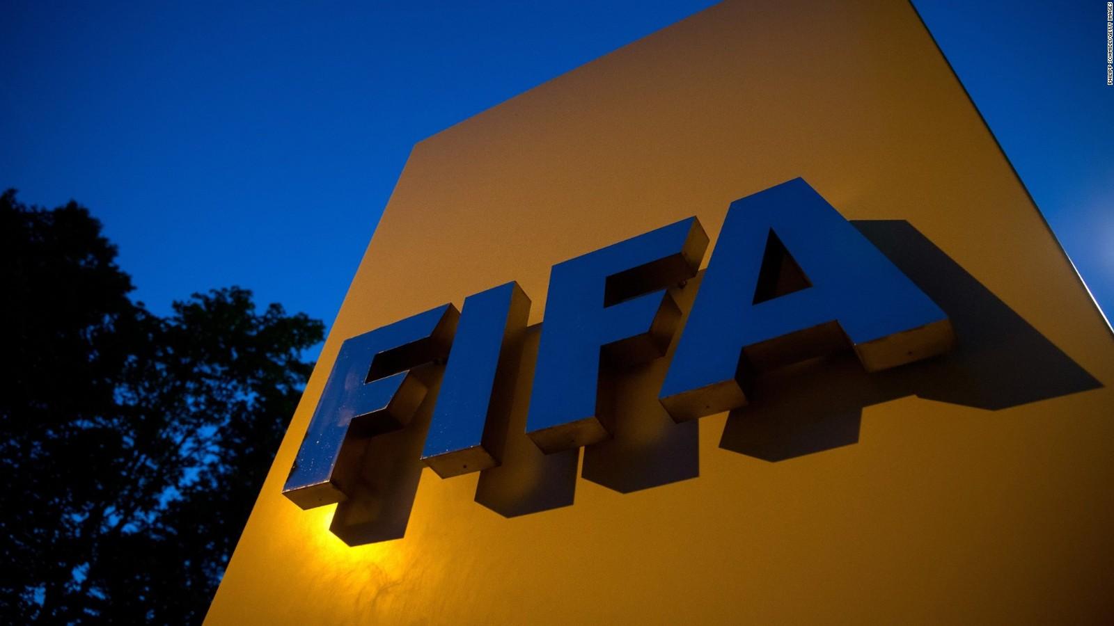 الفيفا تنوي تمديد الحجر على المنافسات الدولية
