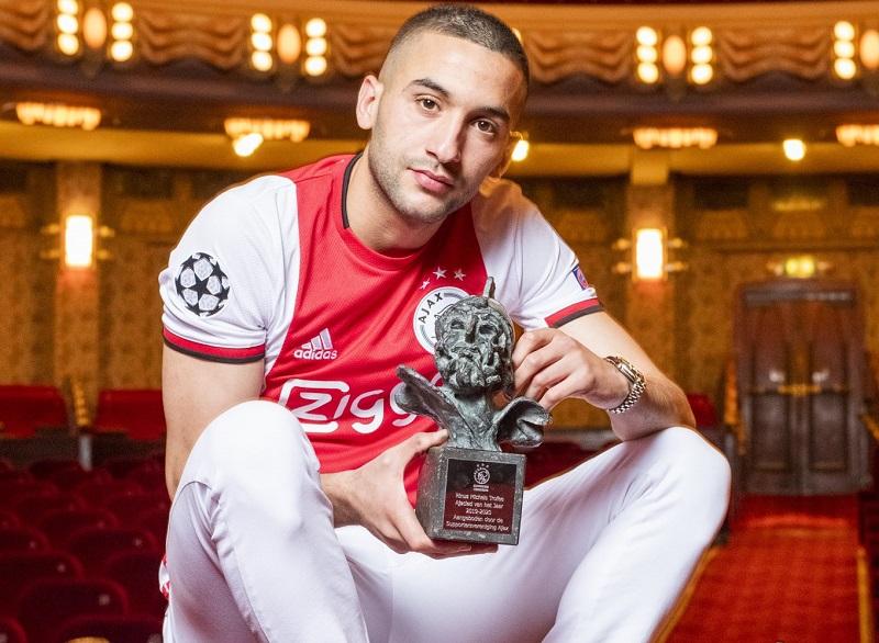 حكيم زياش يتوج بجائزة جديدة قبل مغادرة هولندا