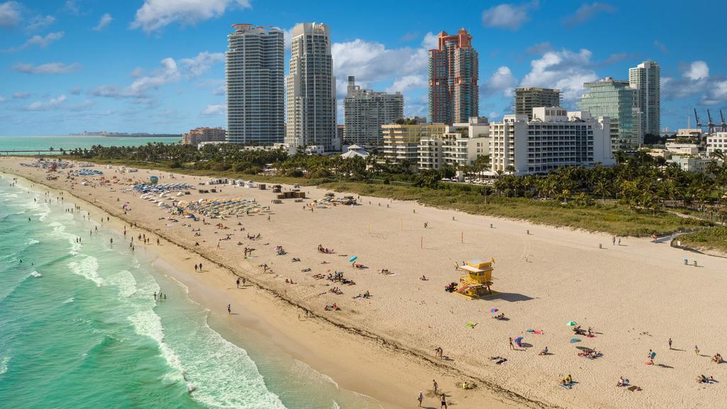 فلوريدا تسجل عدد إصابات قياسيا جديدا بكوفيد-19