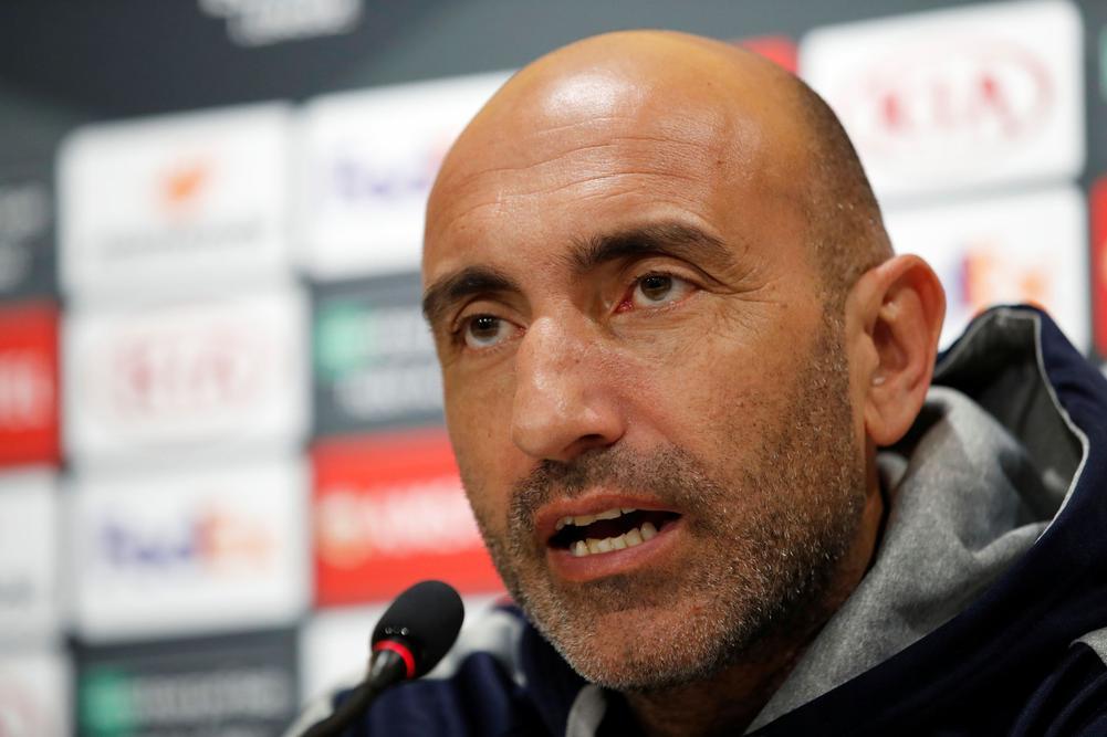 إسبانيول يقيل مدربه قبل يوم من مواجهة ريال مدريد