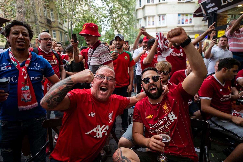 نادي ليفربول ينتقد احتفالات مشجعيه باللقب
