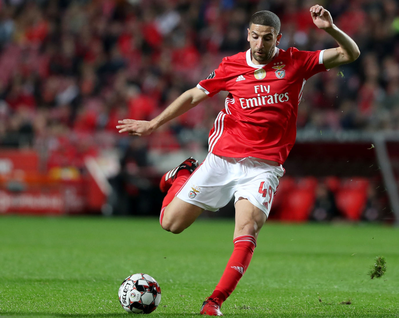 تاعرابت أفضل لاعب بالبرتغال بحسب مجلة فرنسية