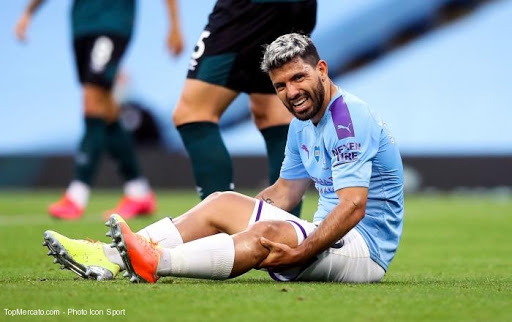 غوارديولا: أغويرو اصيب في الركبة ومدة غيابه  قد تكون طويلة