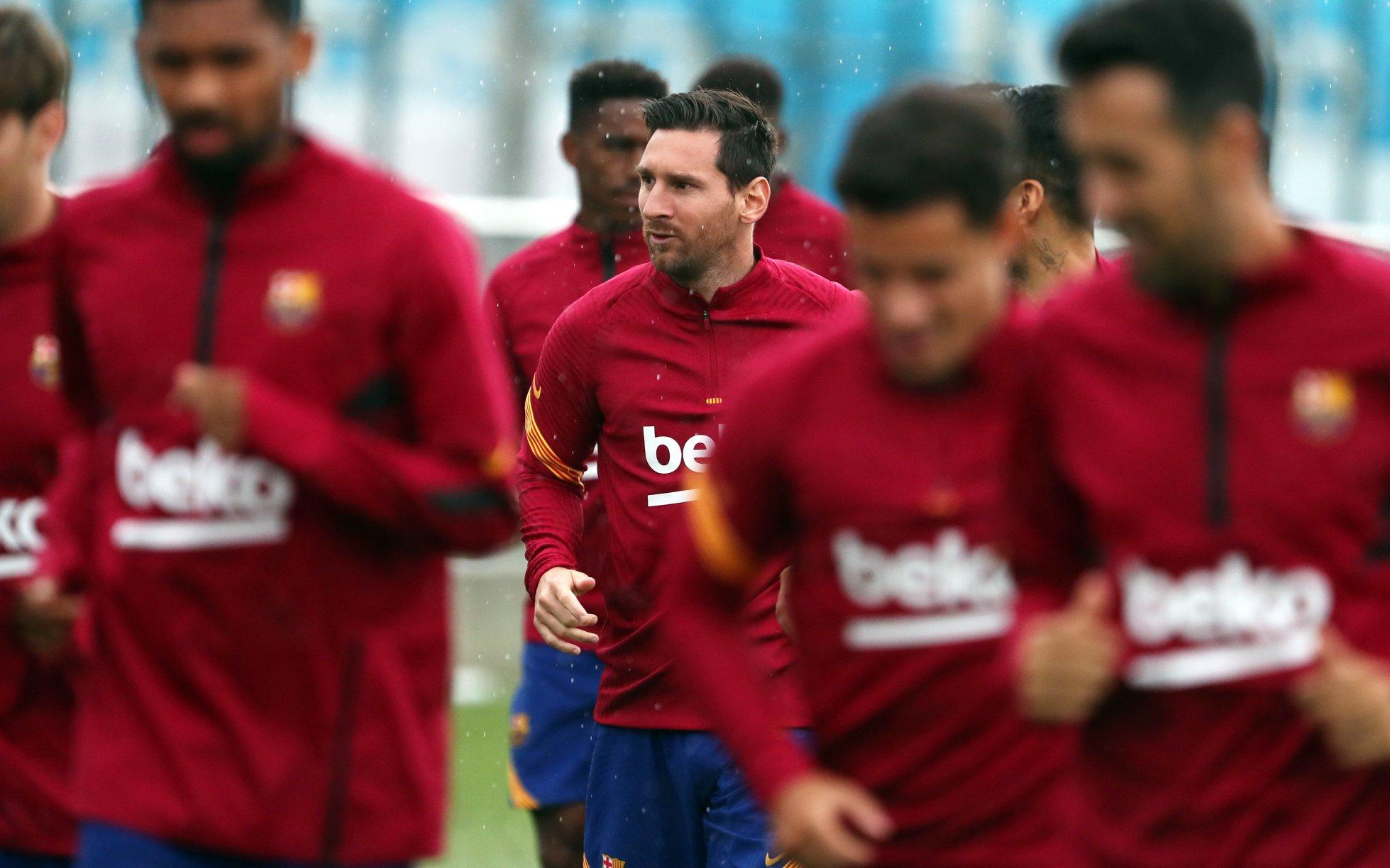 ميسي يلتحق بالتداريب الجماعية لبرشلونة للمرة الاولى بعد قراره بالبقاء