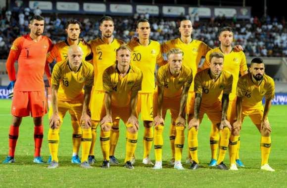 لاعبو منتخب أستراليا لكرة القدم يوافقون على خفض أجورهم