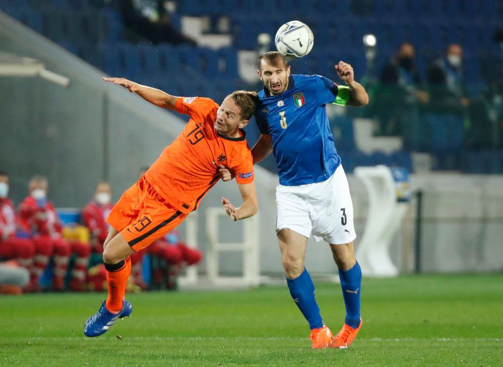 تعادل إيطاليا وهولندا يمنح بولندا الصدارة