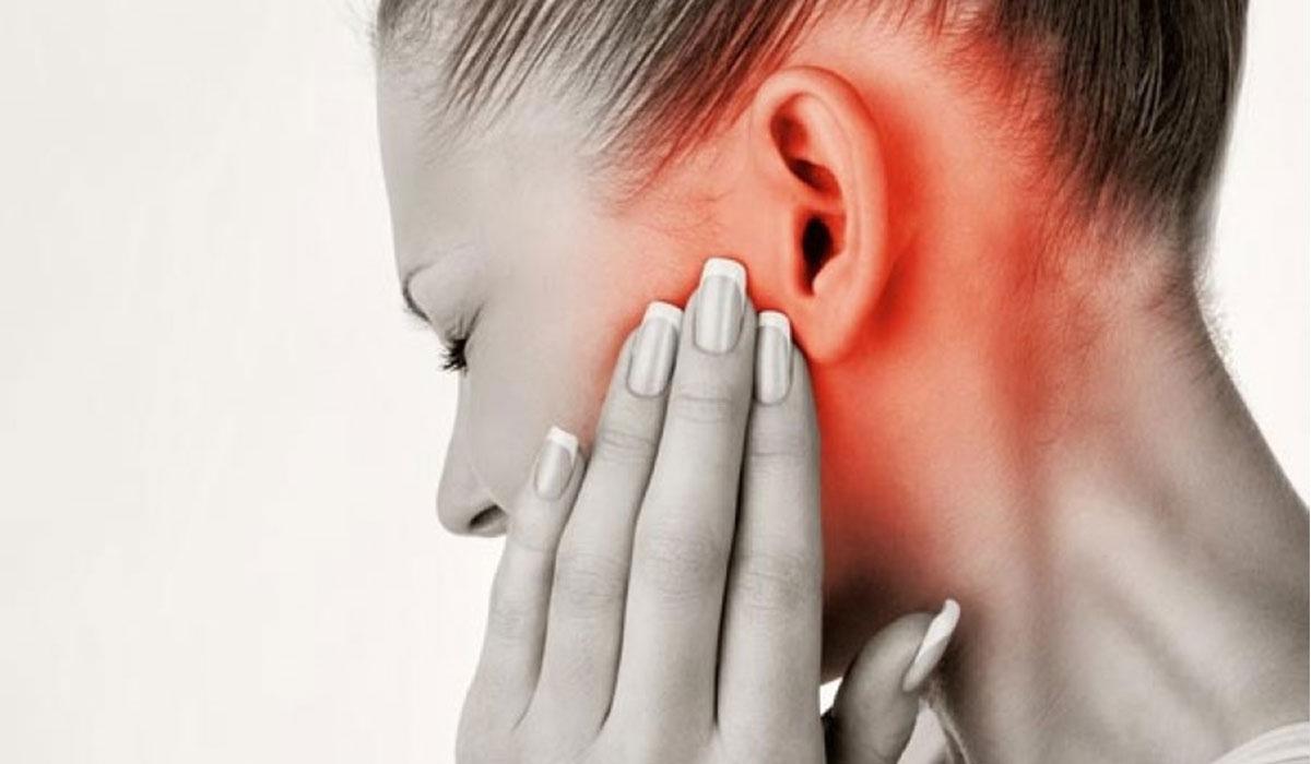 تحدير طبي.. كوفيد-19 قد يؤدي إلى الصمم