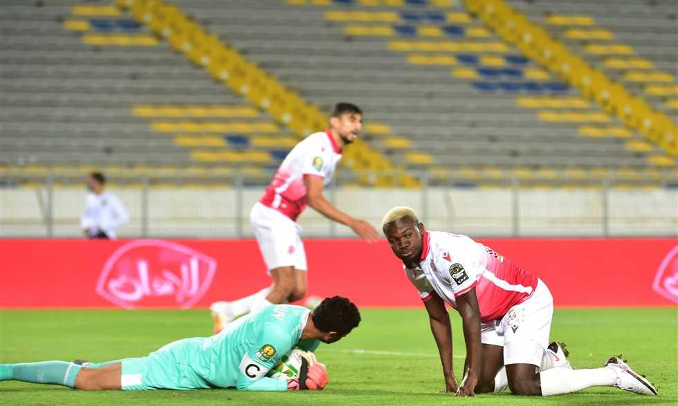 غياب محتمل لحارس الأهلي عن مباراة الوداد