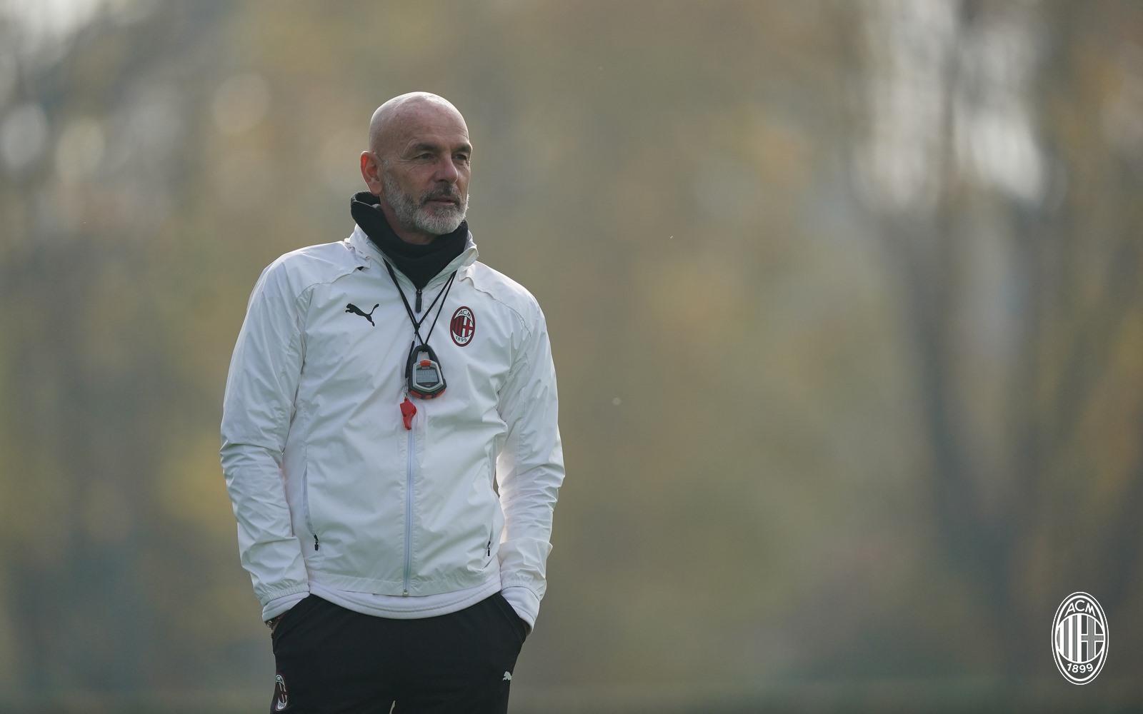 إصابة سطيفانو بيولي مدرب ميلانو بفيروس كورونا