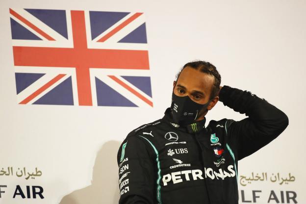 إصابة هاميلتون بطل فورمولا 1 بفيروس كورونا