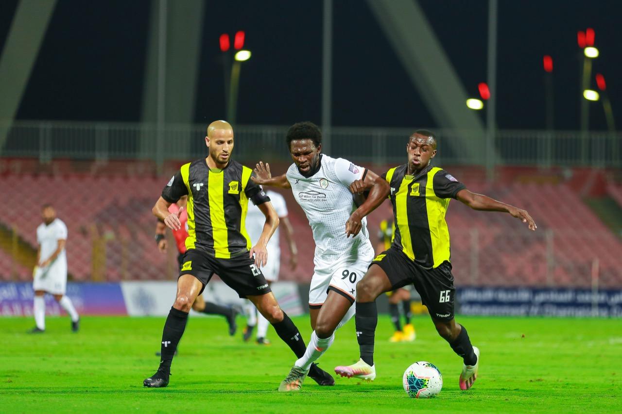 هل يلاقي الأحمدي الرجاء البيضاوي في نهائي كأس محمد السادس؟