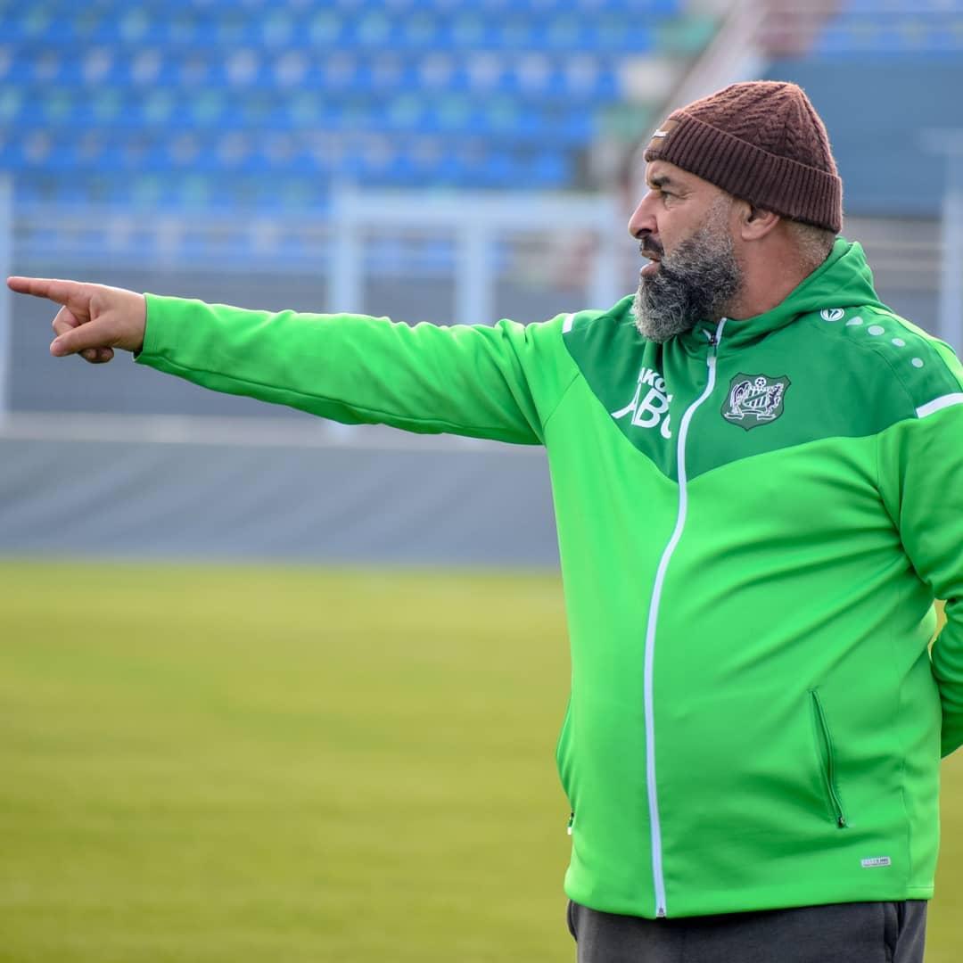 بن شيخة تعافى من  كورونا  وينكب على إعداد برنامج إعدادي للدفاع تزامنا مع توقف البطولة