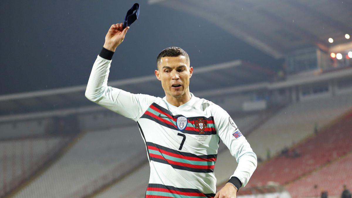 إلقاء رونالدو لشارة العمادة في مباراة صربيا ستنقذ حياة طفل رضيع