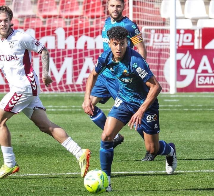 الهلالي.. أصغر لاعب مغربي في إسبانيا يبدأ انطلاقته
