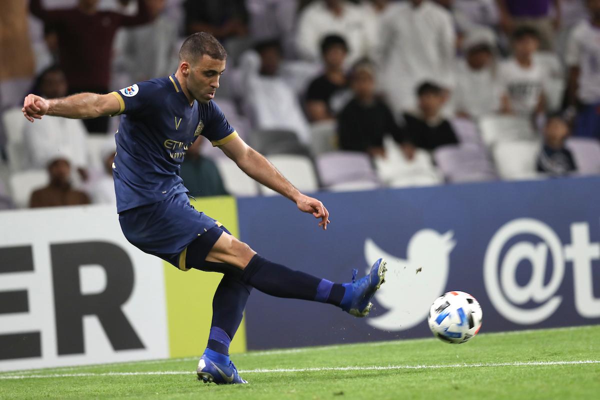 هل يفتح عموتة أبواب المنتخب لحمد الله في كأس العرب؟