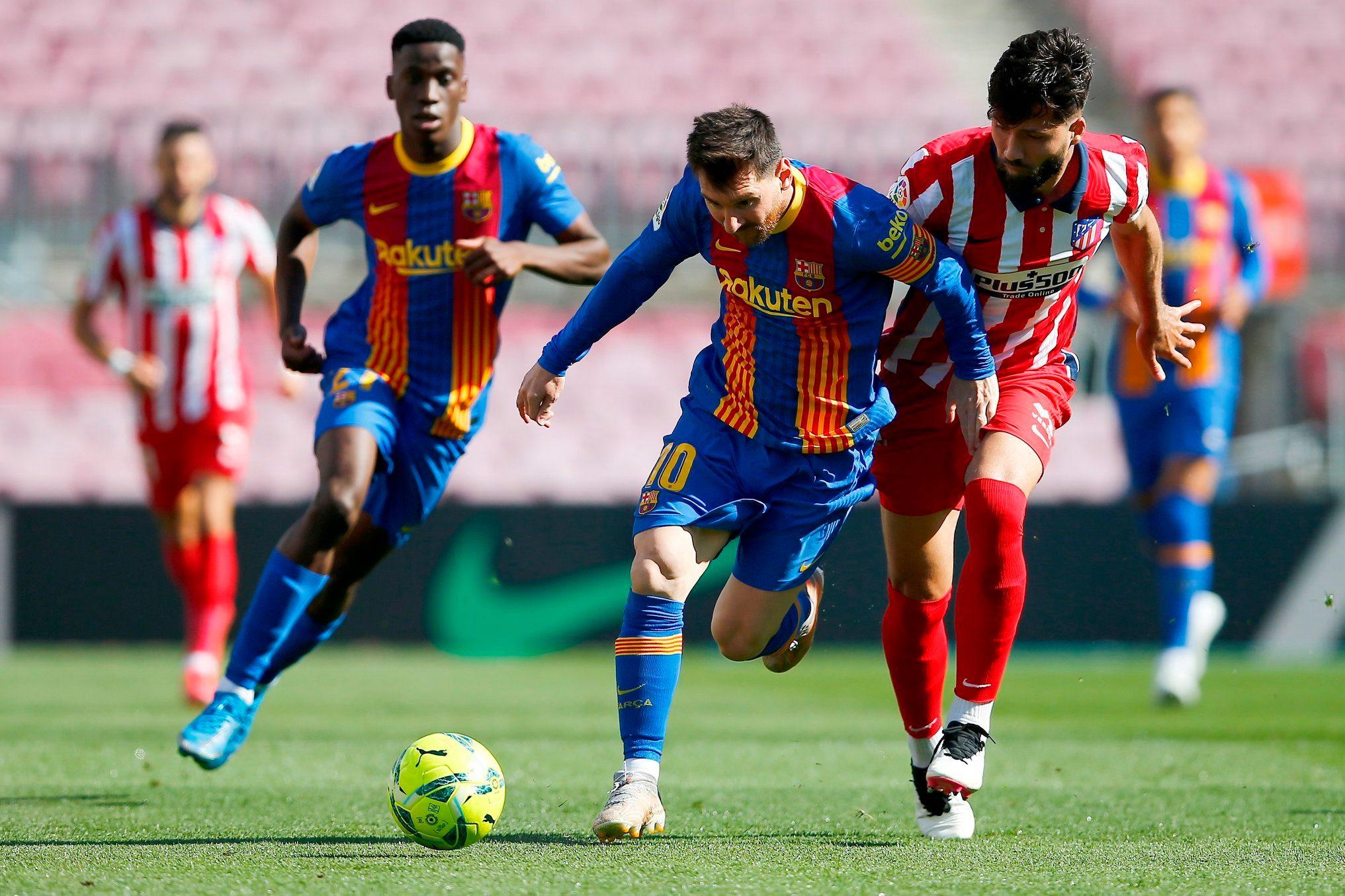 بطولة إسبانيا: برشلونة وأتلتيكو يمنحان ريال فرصة الصدارة بتعادلهما