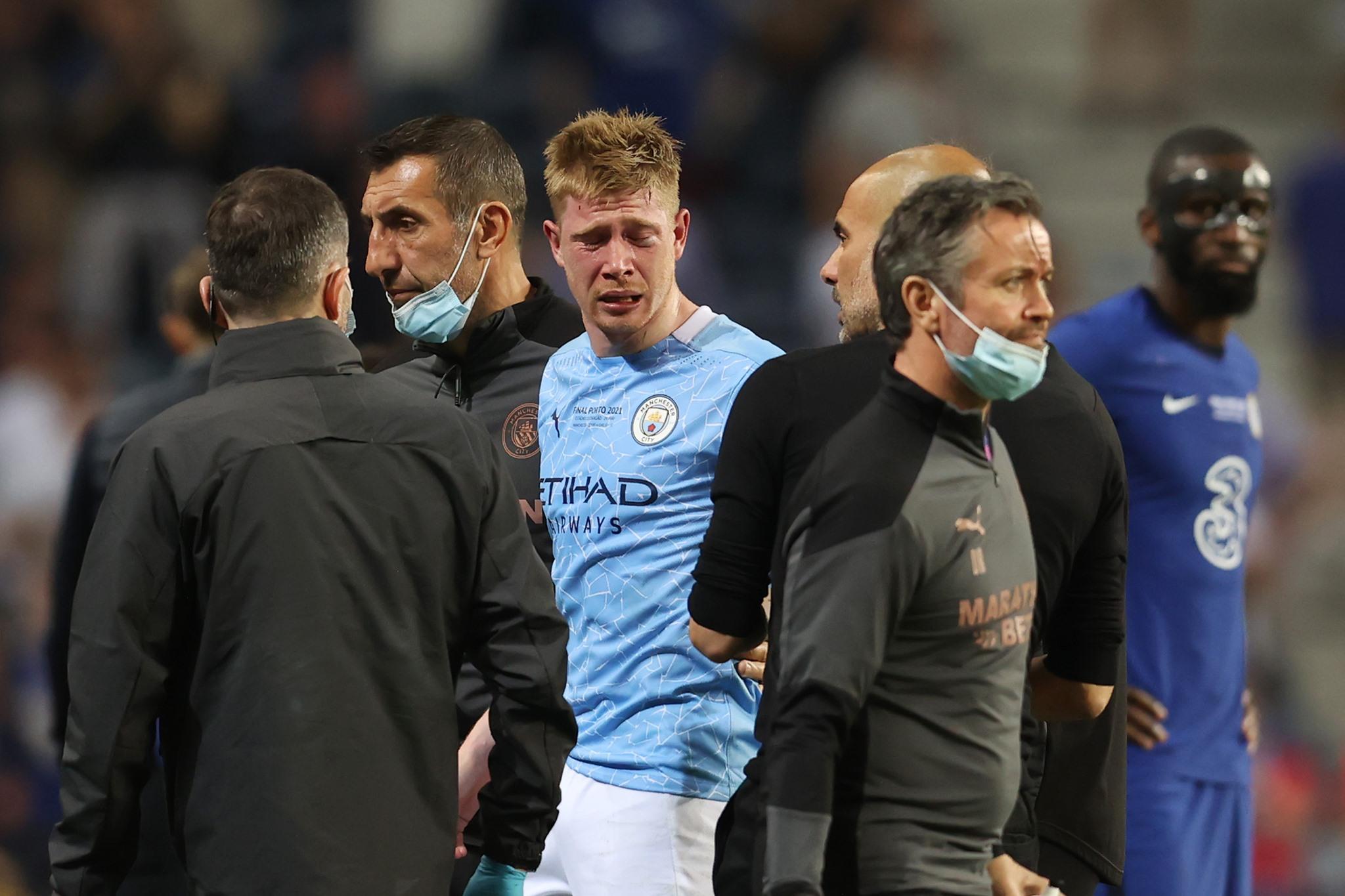 دي بروين يعاني من كسرين في الوجه