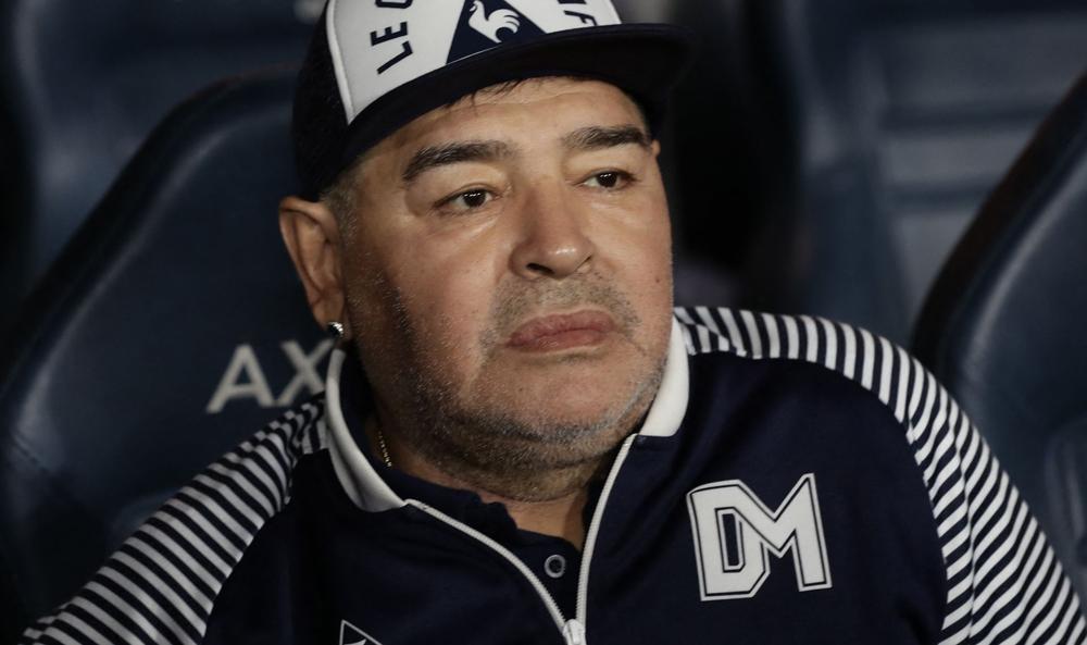 مارادونا عانى من إهمال طبي و تُرك لمصيره  بحسب تقرير خبراء