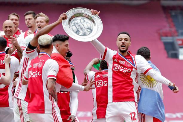 أياكس يتوج بلقب البطولة الهولندية للمرة ال35 في تاريخه