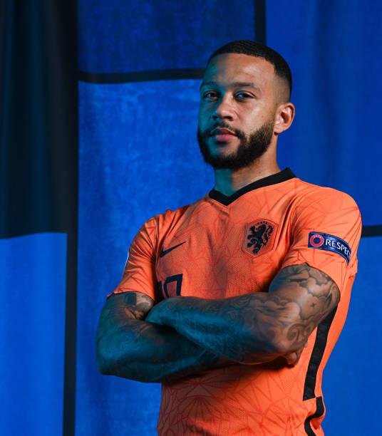 برشلونة يرفض تحسين العرض المقدم للهولندي ممفيس ديباي