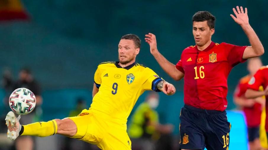 إسبانيا تستهل حملة لقبها الرابع بتعادل مخيب أمام السويد