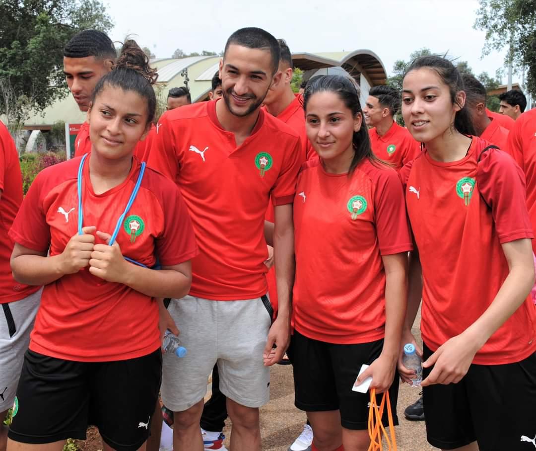 جولة مشي للاعبي المنتخب المغربي داخل مركز محمد السادس لكرة القدم
