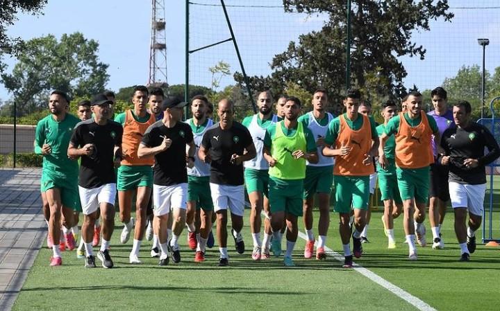 المنتخب المغربي يواصل تحضيراته  لغانا بمعنويات مرتفعة