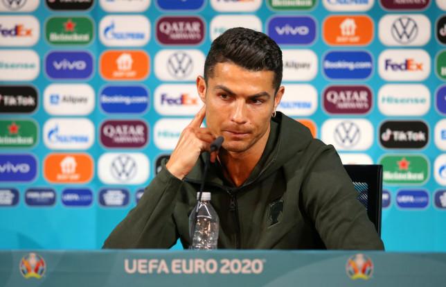 رونالدو يحذّر من المجر ويتحدث بغموض عن مستقبله
