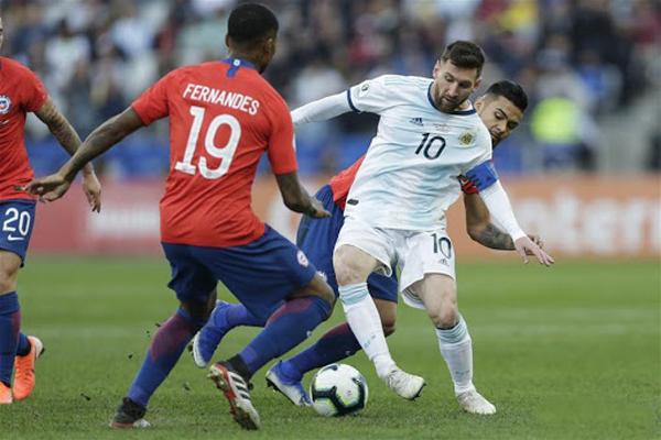 تصفيات مونديال 2022: استئناف المنافسات بقمة بين الارجنتين والشيلي