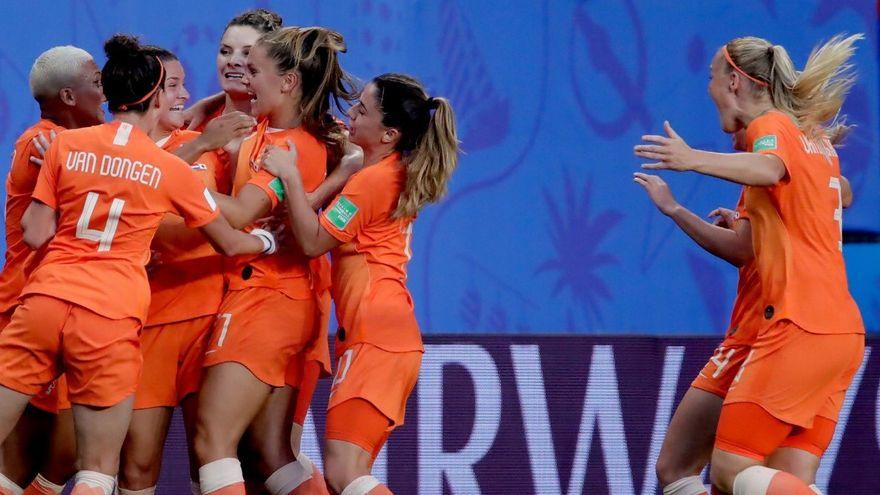 أولمبياد طوكيو / كرة القدم.. سيدات هولندا يمطرن شباك زامبيا ب10 أهداف مقابل 3