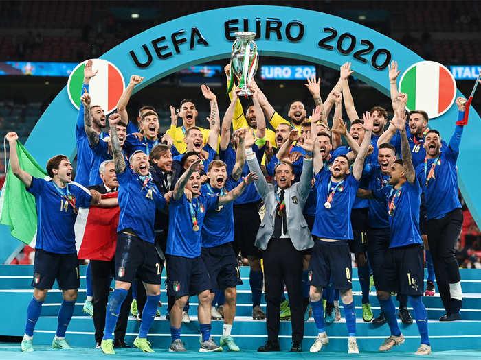 250 ألف اورو مكافأة لكل لاعب في ايطاليا بعد التتويج