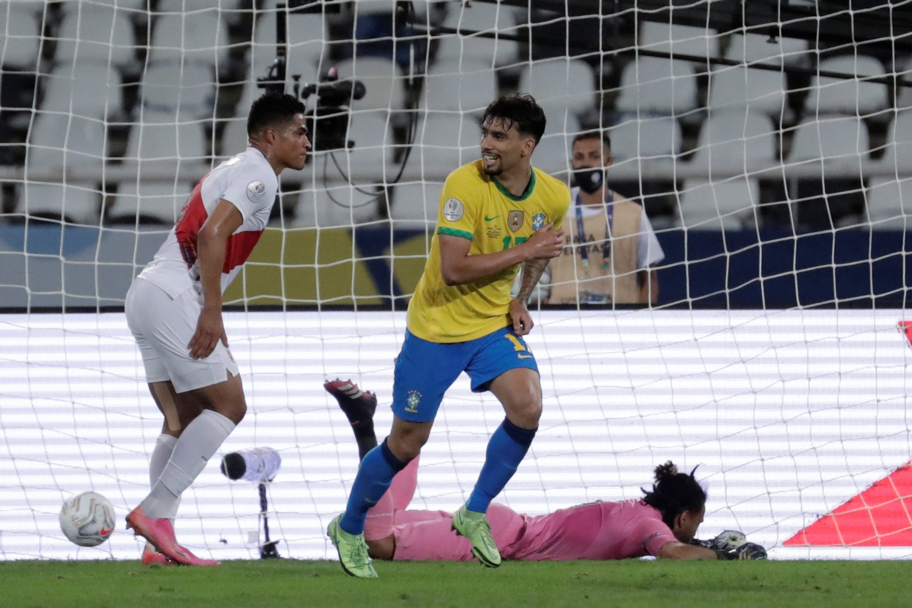البرازيل تهزم بيرو وتبلغ نهائي كوبا أمريكا