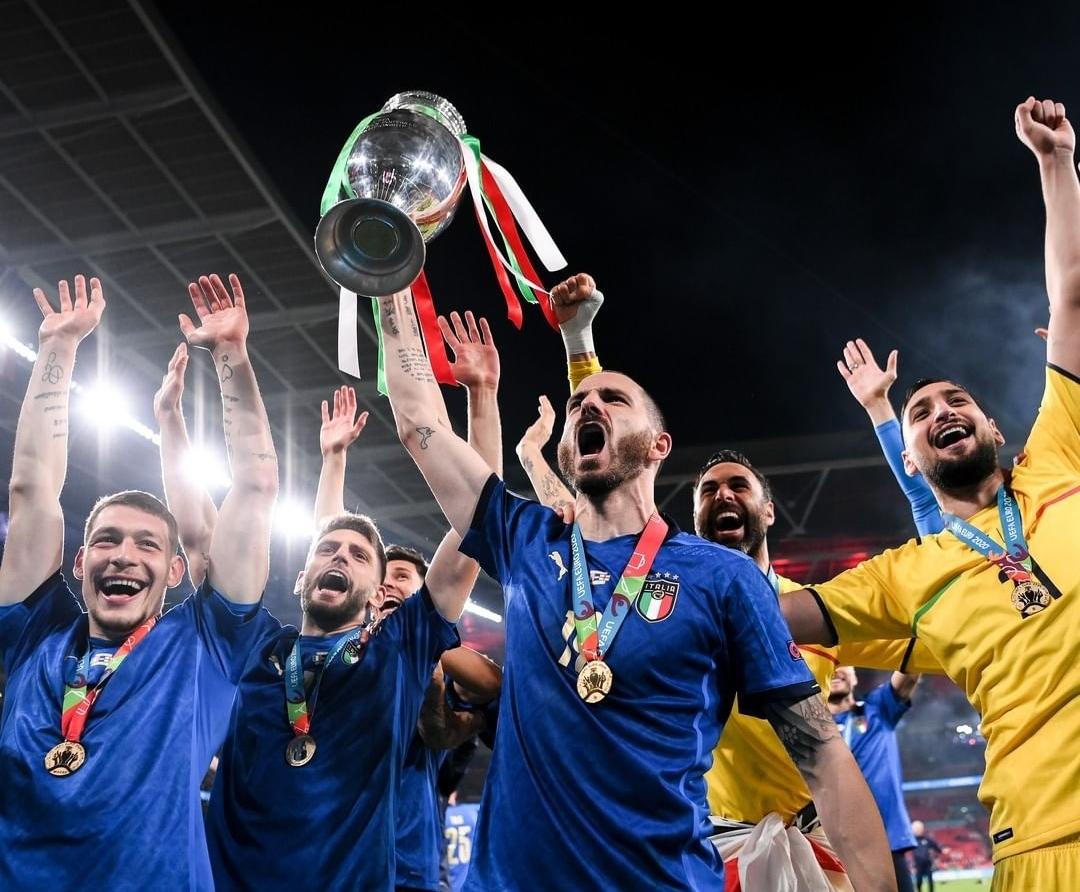 تفشي فيروس كورونا بعد احتفالات الفوز بالاورو يثير الجدل بإيطاليا