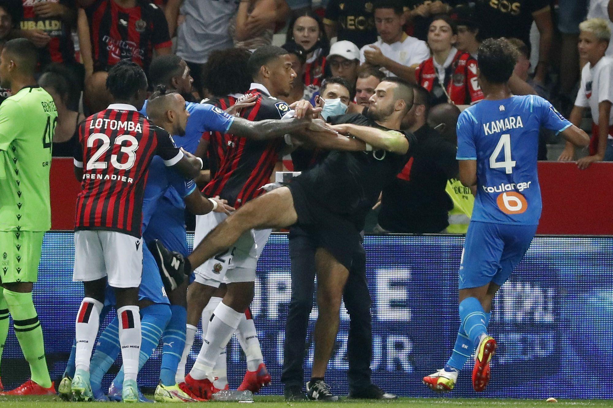 العصبة الفرنسية لكرة القدم تحقق في أحداث لقاء نيس ومرسيليا